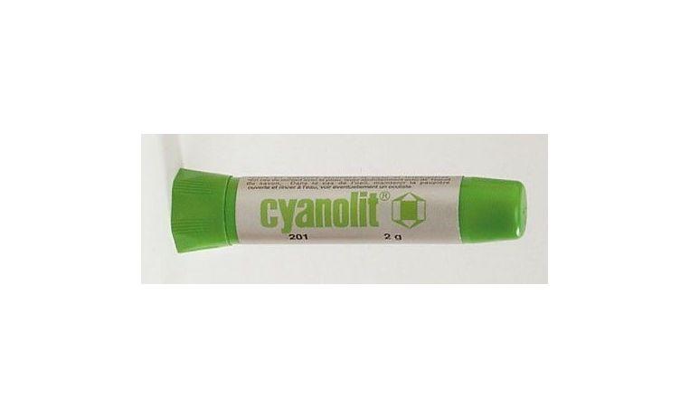 Green cyanoacrylic adhesive
